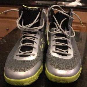 Like New Under Armor Men Sneakers